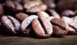 съемка макроса кофе фасоли Стоковые Фотографии RF