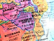 Съемка макроса фокуса Зимбабве Африки на карте глобуса для блогов перемещения, социальных средств массовой информации, знамен веб Стоковое Фото