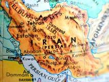 Съемка макроса фокуса Ирана на карте глобуса для блогов перемещения, социальных средств массовой информации, знамен вебсайта и пр Стоковая Фотография
