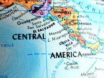 Съемка макроса фокуса Центральной Америки на карте глобуса для блогов перемещения, социальных средств массовой информации, знамен Стоковые Фото