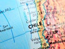 Съемка макроса фокуса Чили Южной Америки на карте глобуса для блогов перемещения, социальных средств массовой информации, знамен  Стоковые Фото
