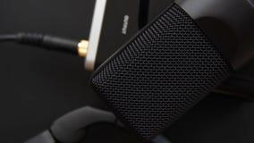 съемка серии нот опыта оборудования музыкальная Профессиональный микрофон студии конденсатора, ядровая карточка с инструментальны сток-видео
