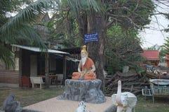Съемка статуи ` s святого человека стоковые изображения