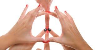Съемка студии знака мира сформировала путем использование рук Стоковые Изображения RF