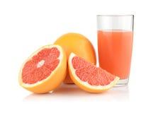 Съемка студии отрезала 3 грейпфрута с белизной изолированной соком Стоковые Фотографии RF