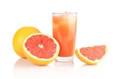 Съемка студии отрезала 3 грейпфрута с белизной изолированной соком Стоковое Фото