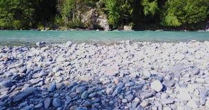 Съемка трутня голубого реки кинематографическая сток-видео