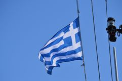 Съемка фото парусника на море от чудесного флага Греции Ландшафты транспорта, круизы, перемещение стоковая фотография rf
