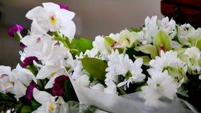 Съемка цветка & свечи используемых для похорон стоковые изображения