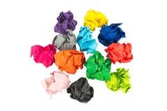 съемка шарика близкая бумажная вверх цветасто скомкано белизна изолированная предпосылкой Стоковая Фотография RF