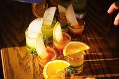 Съемки питья с плодоовощами Стоковые Фотографии RF