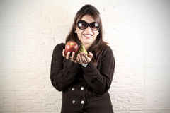 съешьте свежие фрукты Стоковые Изображения