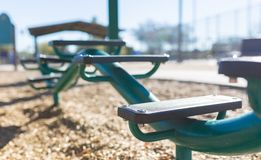 Сыграйте взгляд уровня Шаг-DOF-шага парка от стороны 02 Стоковые Фотографии RF