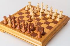 Сыгранный дебют шахмат на борту стоковая фотография rf