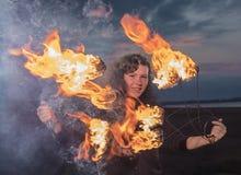 Сыграть с огнем Стоковые Фотографии RF