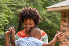 сынок мати афроамериканца Стоковая Фотография