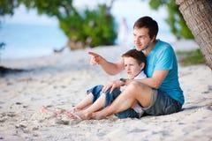 сынок отца пляжа Стоковые Изображения RF