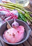 Сырое мясо с спаржей Стоковое Фото