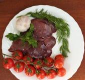 Сырой chiken печень и ингридиенты Стоковые Фото