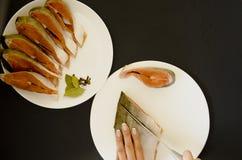 Сырцовое филе рыб семг на черной предпосылке стоковая фотография