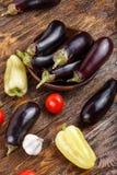 Сырцовые баклажан и томат Стоковые Фото