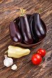 Сырцовые баклажан и томат Стоковая Фотография RF