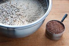 Сырцовые ингридиенты для granola Стоковые Фотографии RF