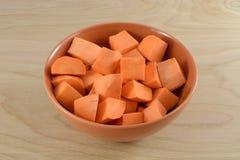 Сырцовые сырые кубы батата Стоковые Фото