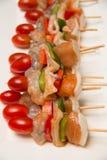 Сырцовые kebabs Shish готовые быть зажаренным Стоковые Изображения