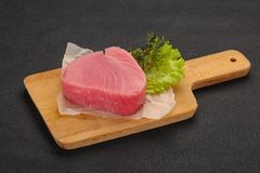 Сырцовый стейк тунца стоковые изображения