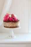 Сырцовый торт мороженого карамельки шоколада банана Vegan Стоковые Фото