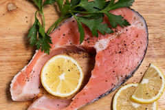 1 сырцовый salmon стейк Стоковые Фото