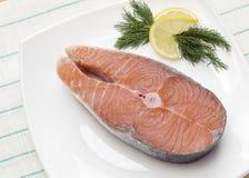 1 сырцовый salmon стейк Стоковое Изображение RF