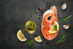 1 сырцовый salmon стейк Стоковое фото RF
