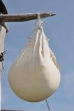 Сыр засыхания традиционный стоковые фото