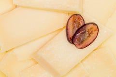 Сыр и виноградины стоковое изображение