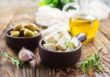 Сыр и оливки стоковая фотография rf