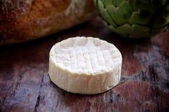 Сыр камамбера весь Стоковые Фото