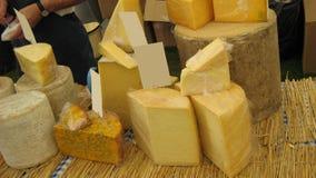 Сыр на рынке для продажи Стоковая Фотография