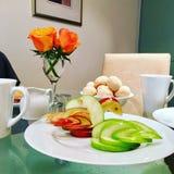 Сыр скульптуры и хлеба яблока завтрака стоковые изображения