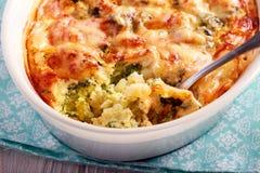 Сыр цветной капусты и брокколи печет стоковая фотография rf