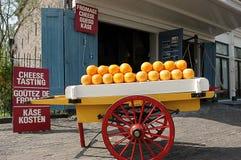Сыр Эдамера в магазине Стоковое Изображение
