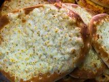 Сыр Manakish - tbread Fla покрыло с сыром Традиционный Ara Стоковые Фото