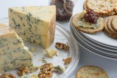 Сыр Stilton, oatcakes и чатни смоквы Стоковое Изображение
