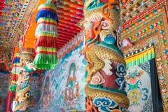 СЫЧУАНЬ, КИТАЙ - 17-ОЕ ИЮЛЯ 2014: Монастырь Jingang известное Lamase Стоковые Изображения RF