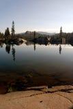 Сьерра отражения Невады озера Стоковые Изображения