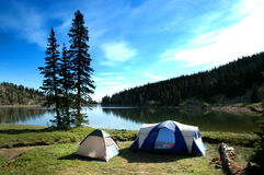 сь озеро около шатров Стоковое Фото