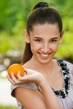 Сь помеец удерживания девочка-подростка Стоковая Фотография RF