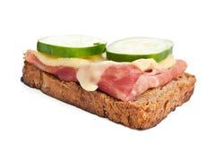 сэндвич с ветчиной огурцов сыра Стоковые Изображения RF