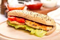 Сэндвич с курицей стоковая фотография